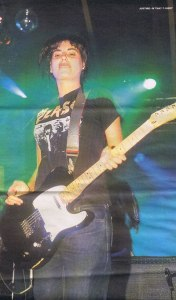 justine-overbite Reading Festival from NME Sept 9th 1999