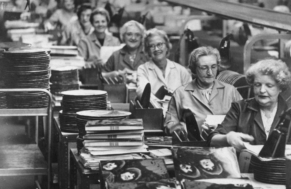 Rubber Soul Alben in der Fabrik